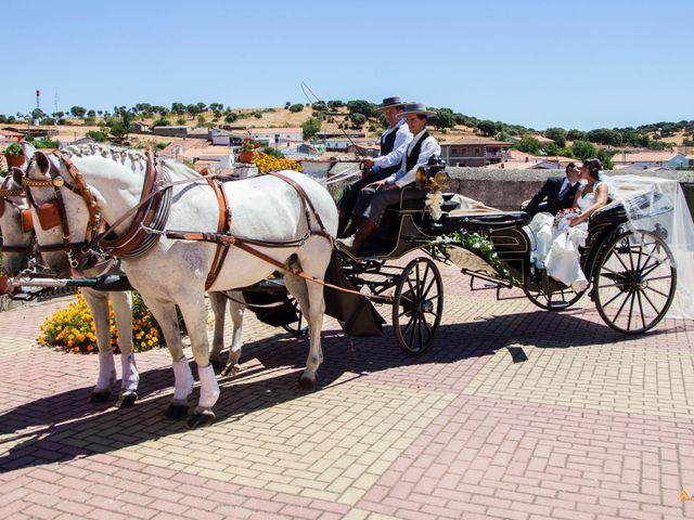 La boda de David y Cristina en Frades De La Sierra, Salamanca 1