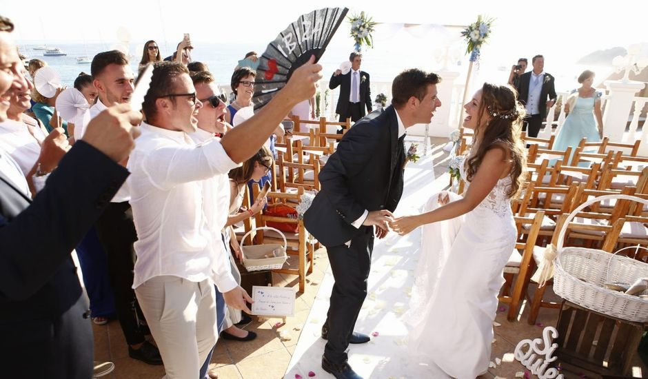 La boda de Nieves y Abel  en Cala Tarida, Islas Baleares