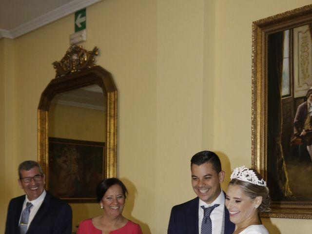 La boda de Juanma y Elena en Santiponce, Sevilla 23