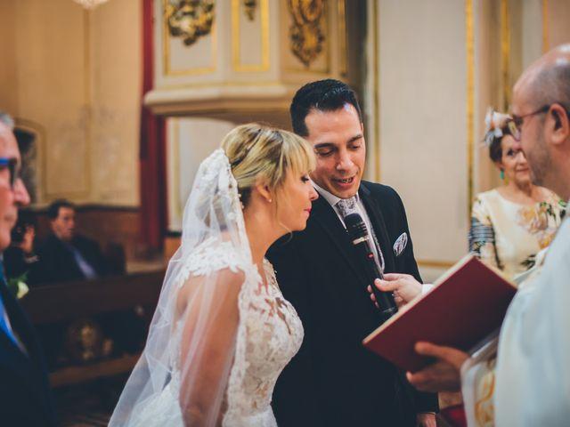 La boda de Rubén y Lorena en Paterna, Valencia 40