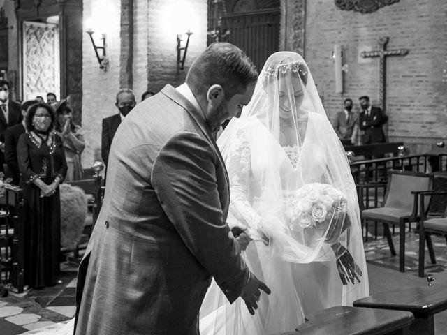 La boda de Rubén y Macarena en Alcala De Guadaira, Sevilla 35