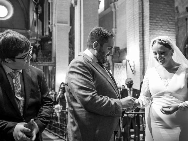 La boda de Rubén y Macarena en Alcala De Guadaira, Sevilla 36
