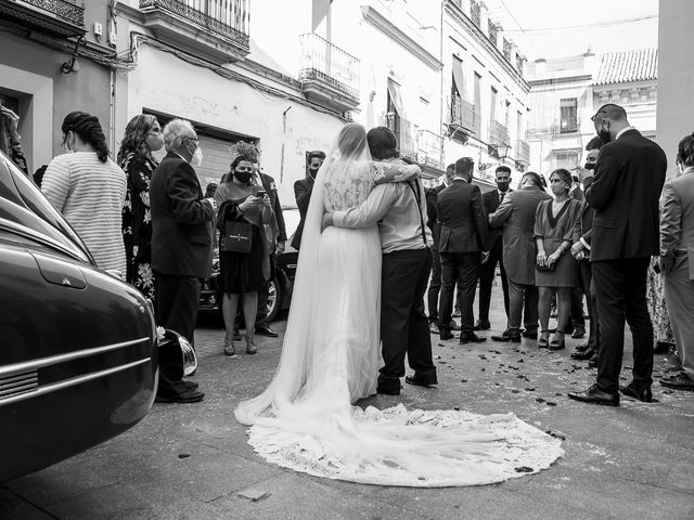 La boda de Rubén y Macarena en Alcala De Guadaira, Sevilla 47