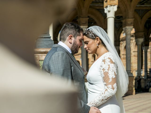 La boda de Rubén y Macarena en Alcala De Guadaira, Sevilla 53