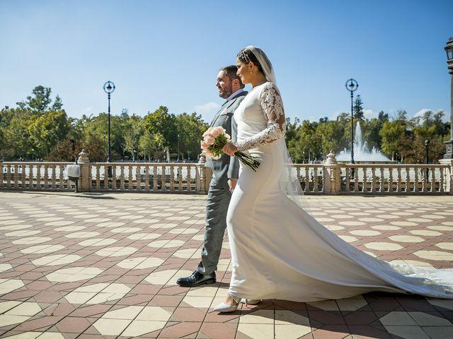 La boda de Rubén y Macarena en Alcala De Guadaira, Sevilla 55