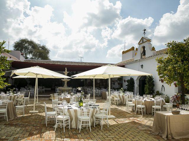 La boda de Rubén y Macarena en Alcala De Guadaira, Sevilla 69