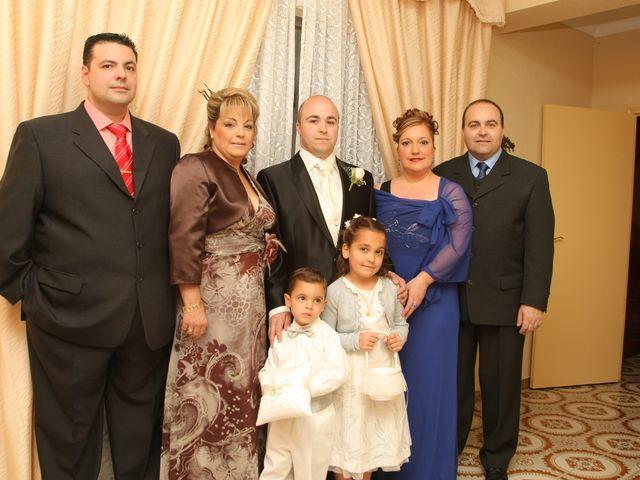 La boda de MariLoli y Rafa en Córdoba, Córdoba 35