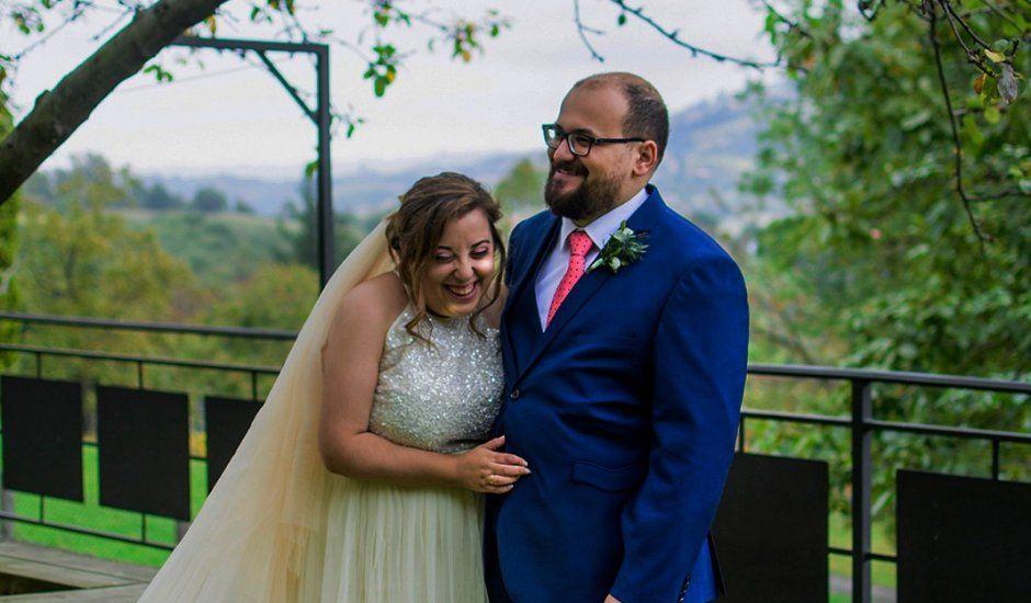 La boda de Edu y Lydia en Gijón, Asturias