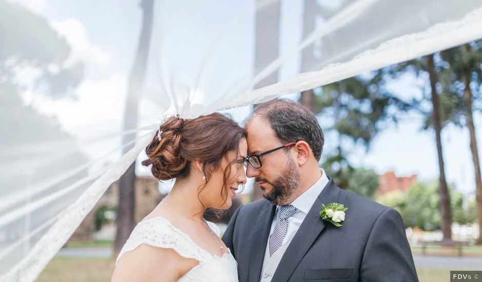 La boda de Javier y Ninoska en Getxo, Vizcaya