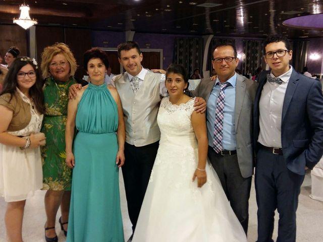 La boda de Oscar  y Vero  en El Fresno (Grado), Asturias 15