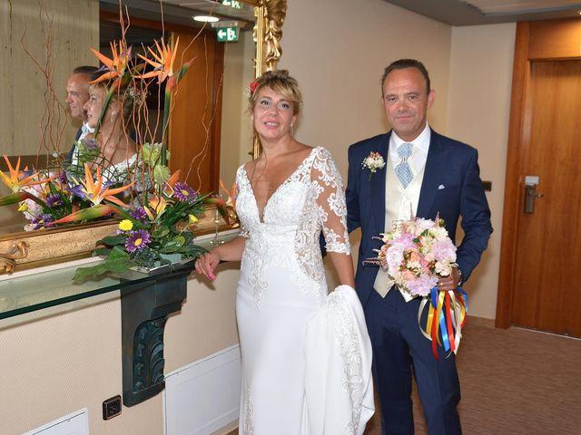 La boda de Alejandro y Marisa en Benidorm, Alicante 7