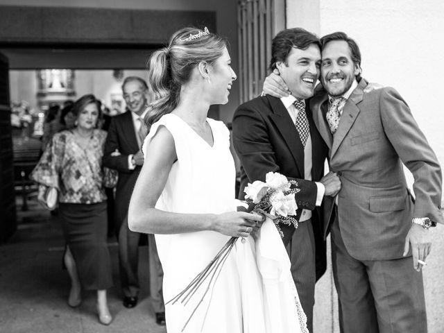 La boda de Dore y Alejandra en Madrid, Madrid 98