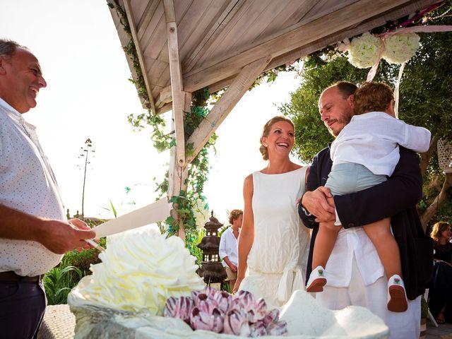 La boda de Nicolás y Blanca en Tarifa, Cádiz 23