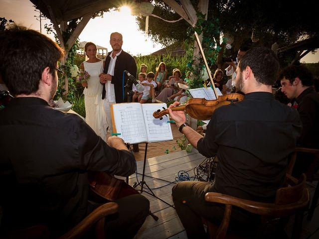 La boda de Nicolás y Blanca en Tarifa, Cádiz 25