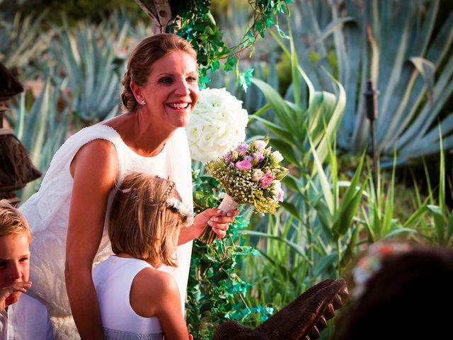 La boda de Nicolás y Blanca en Tarifa, Cádiz 33