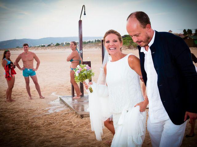 La boda de Nicolás y Blanca en Tarifa, Cádiz 41