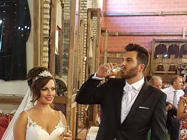 La boda de Alejandro  y Yuleyma  en Sevilla, Sevilla 40
