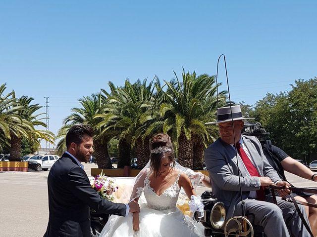 La boda de Alejandro  y Yuleyma  en Sevilla, Sevilla 41