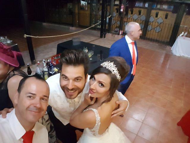 La boda de Alejandro  y Yuleyma  en Sevilla, Sevilla 54