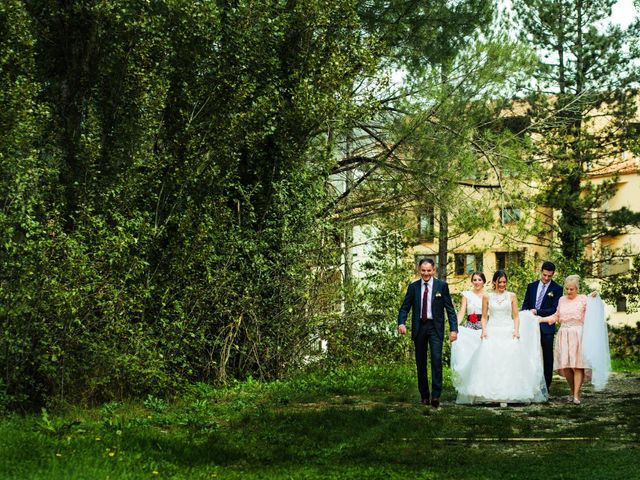 La boda de Javi y Bea en Arcos De Las Salinas, Teruel 12