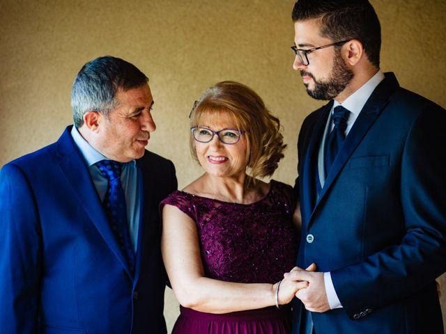 La boda de Javi y Bea en Arcos De Las Salinas, Teruel 13