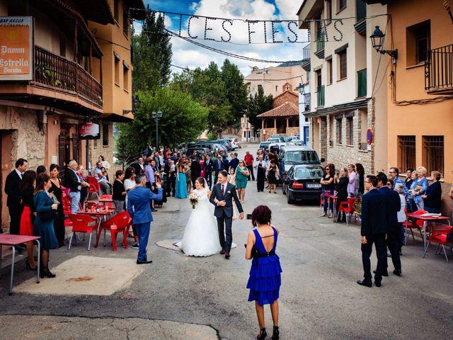 La boda de Javi y Bea en Arcos De Las Salinas, Teruel 17