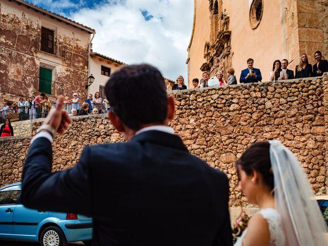 La boda de Javi y Bea en Arcos De Las Salinas, Teruel 18