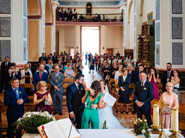 La boda de Javi y Bea en Arcos De Las Salinas, Teruel 24