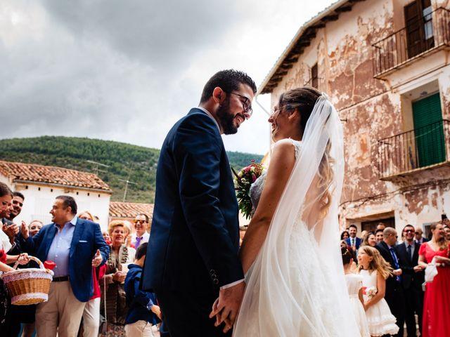 La boda de Javi y Bea en Arcos De Las Salinas, Teruel 26