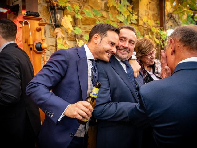 La boda de Ruben y Ana en Atxondo, Vizcaya 55