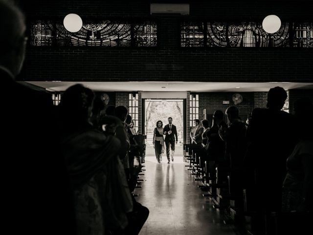 La boda de Juan y Beatriz en San Sebastian De Los Reyes, Madrid 24