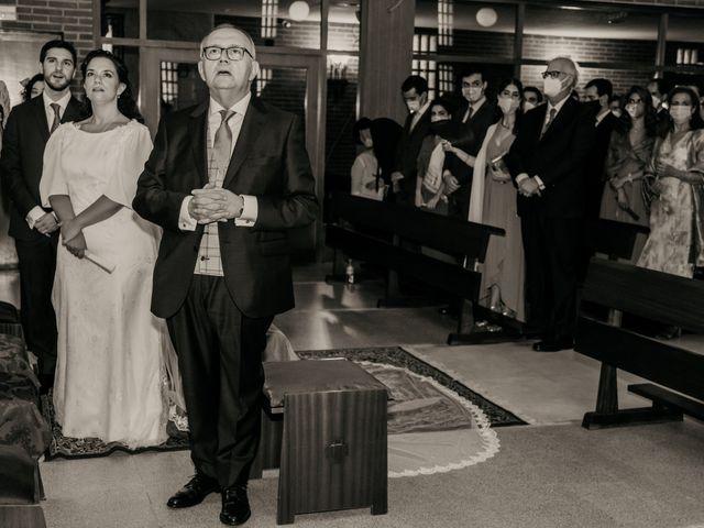 La boda de Juan y Beatriz en San Sebastian De Los Reyes, Madrid 30
