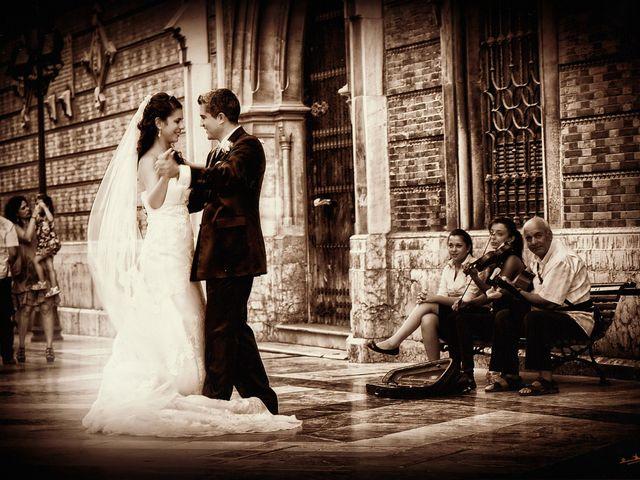La boda de Cinthia y Pablo en Málaga, Málaga 2