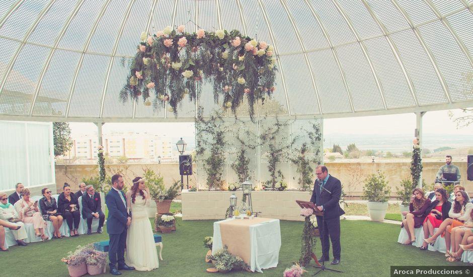 La boda de Juan y Belén en Almansa, Albacete