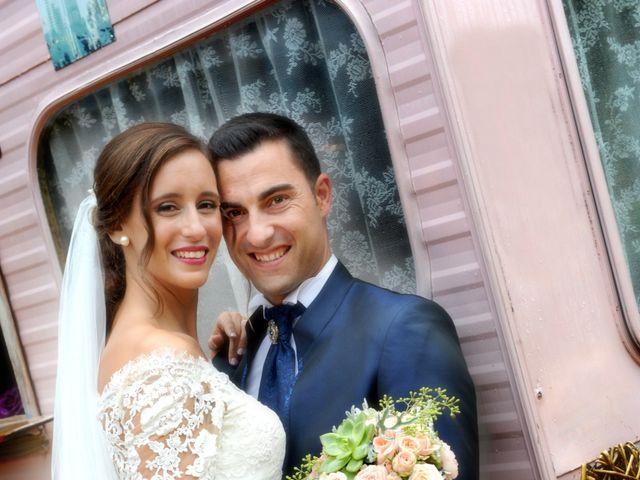 La boda de Marc y Tatiana en Sant Vicenç De Montalt, Barcelona 35