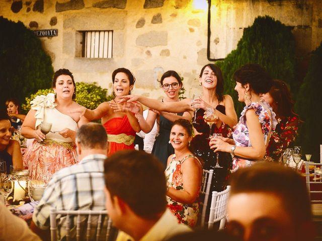 La boda de Jonatan y Elvira en Cabezabellosa, Cáceres 56
