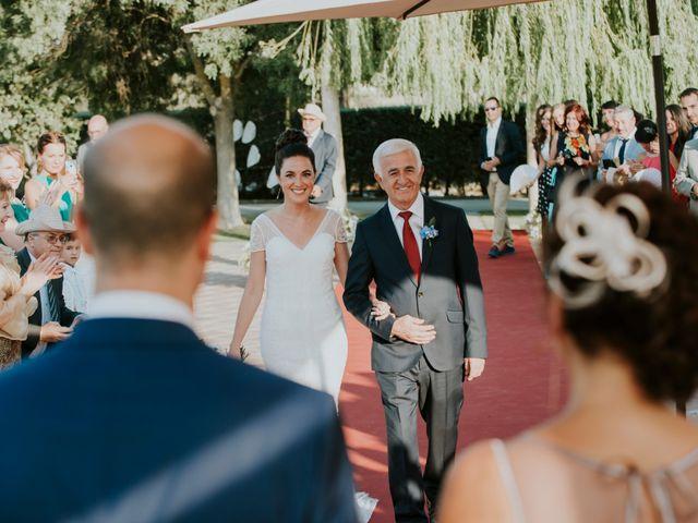 La boda de Albert y Isabel en Brunete, Madrid 13