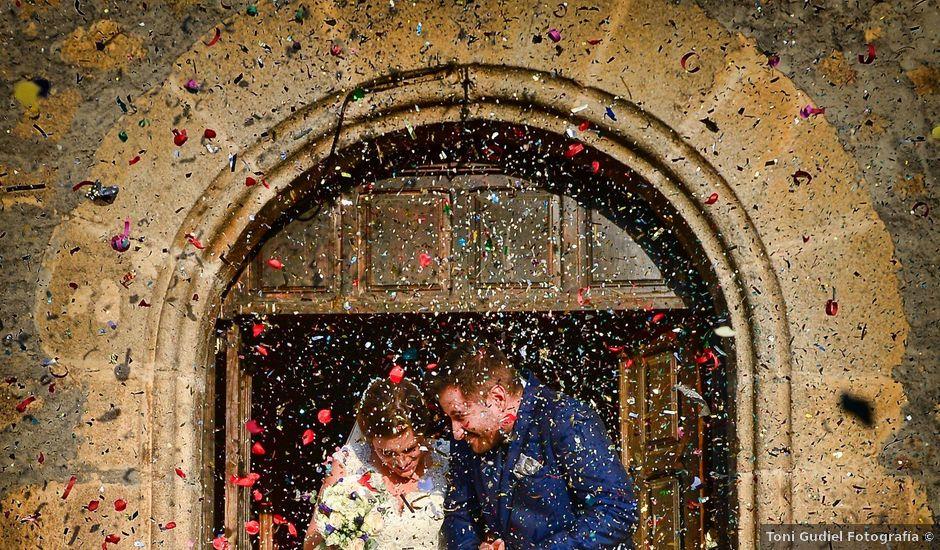 La boda de Jonatan y Elvira en Cabezabellosa, Cáceres