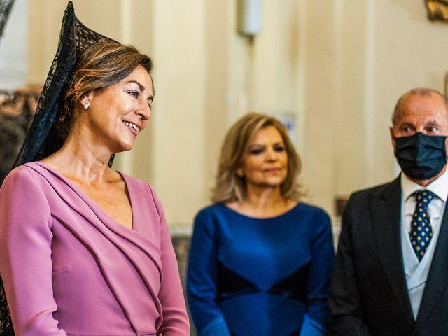 La boda de Alberto y Noelia en Sanlucar La Mayor, Sevilla 54