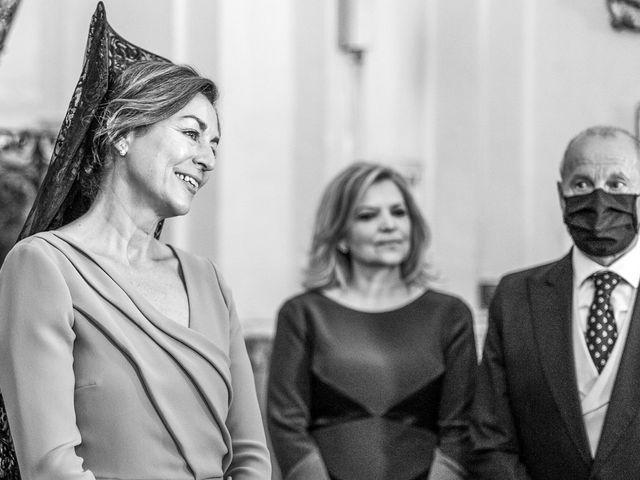 La boda de Alberto y Noelia en Sanlucar La Mayor, Sevilla 55