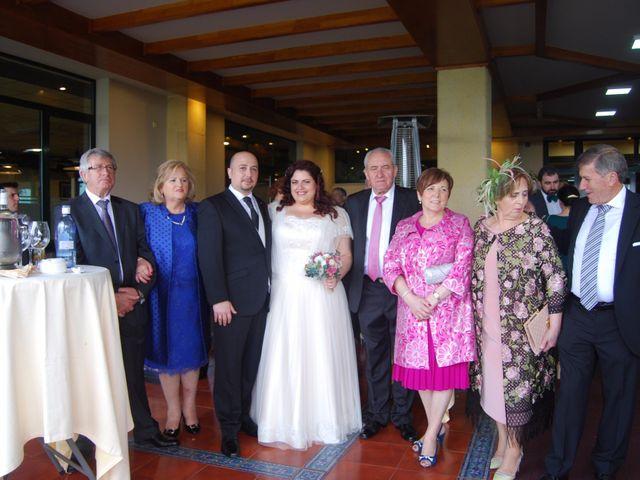 La boda de Javier y Elena en Oviedo, Asturias 7