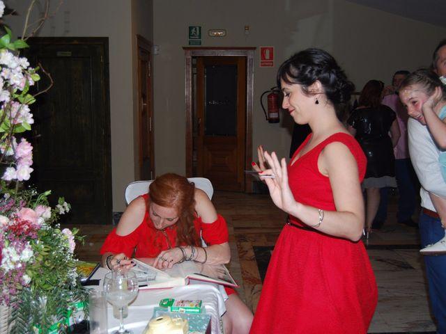 La boda de Javier y Elena en Oviedo, Asturias 10