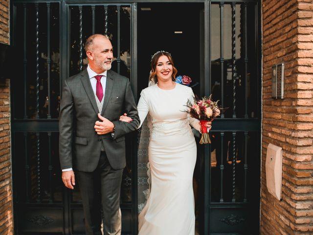 La boda de Kiko y Lourdes en Santiponce, Sevilla 15