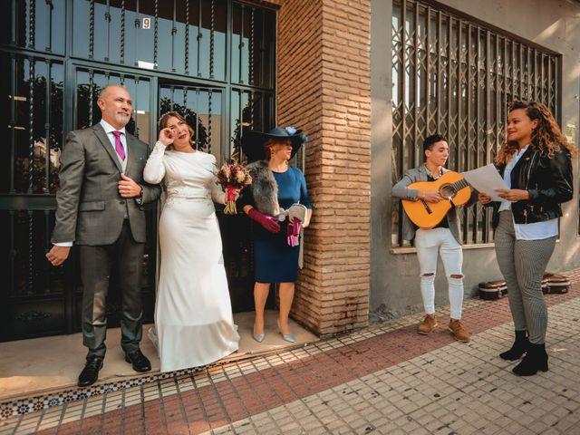 La boda de Kiko y Lourdes en Santiponce, Sevilla 16