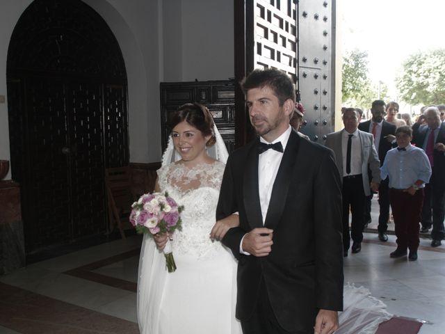 La boda de Ismael y Rocio en Dos Hermanas, Sevilla 13