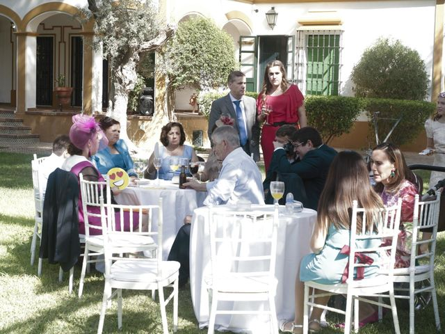 La boda de Ismael y Rocio en Dos Hermanas, Sevilla 15