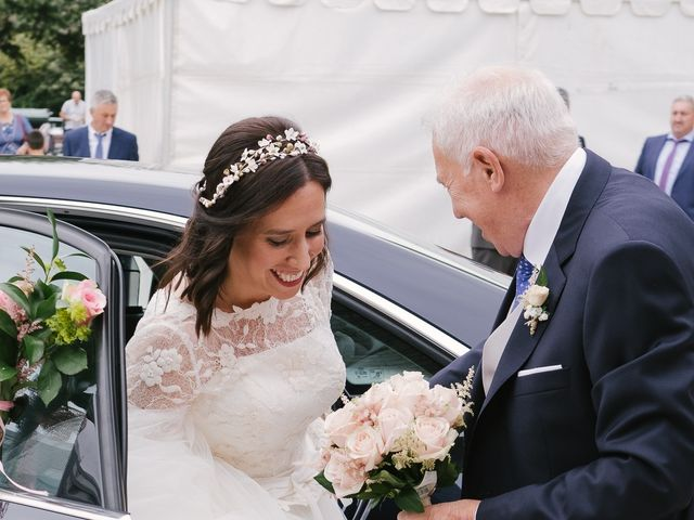 La boda de Víctor y María en Piedras Blancas, Asturias 15
