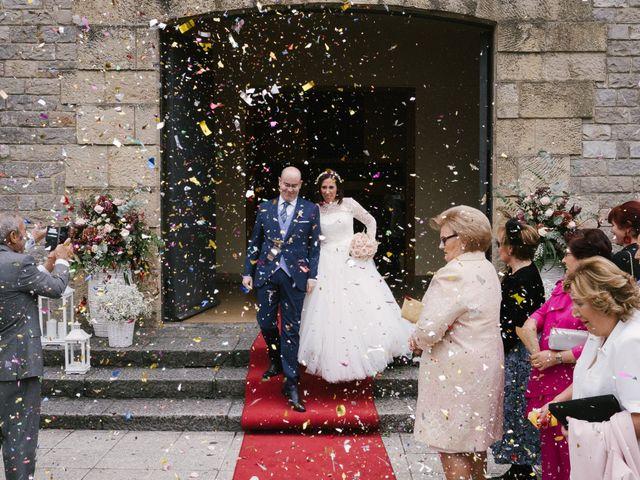La boda de Víctor y María en Piedras Blancas, Asturias 29
