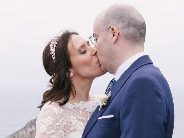 La boda de Víctor y María en Piedras Blancas, Asturias 46
