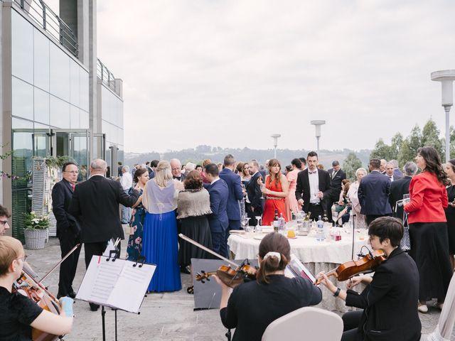 La boda de Víctor y María en Piedras Blancas, Asturias 52